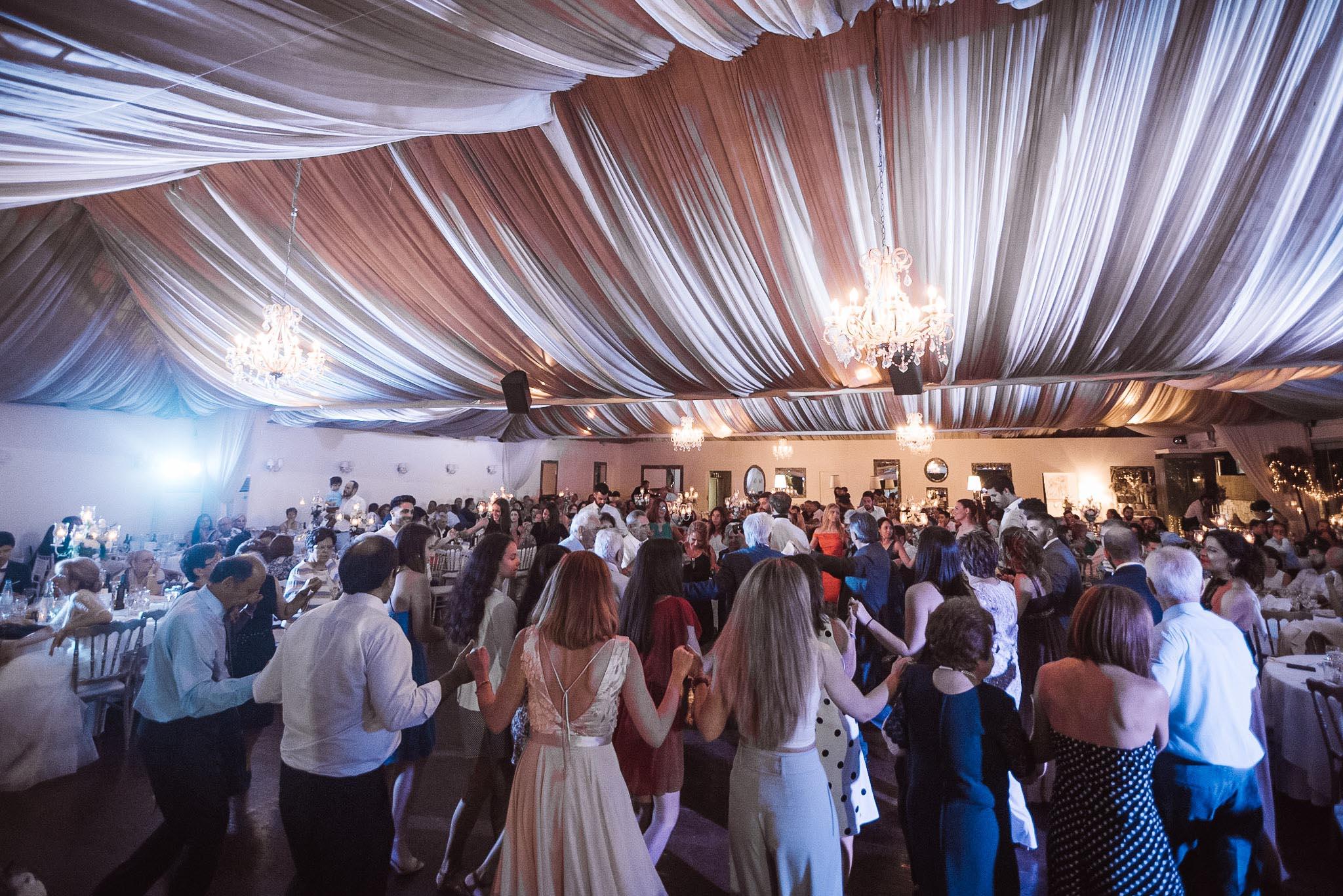 γλέντι γάμου στο κτήμα Ερωφίλη στην Βαρυμπόπη