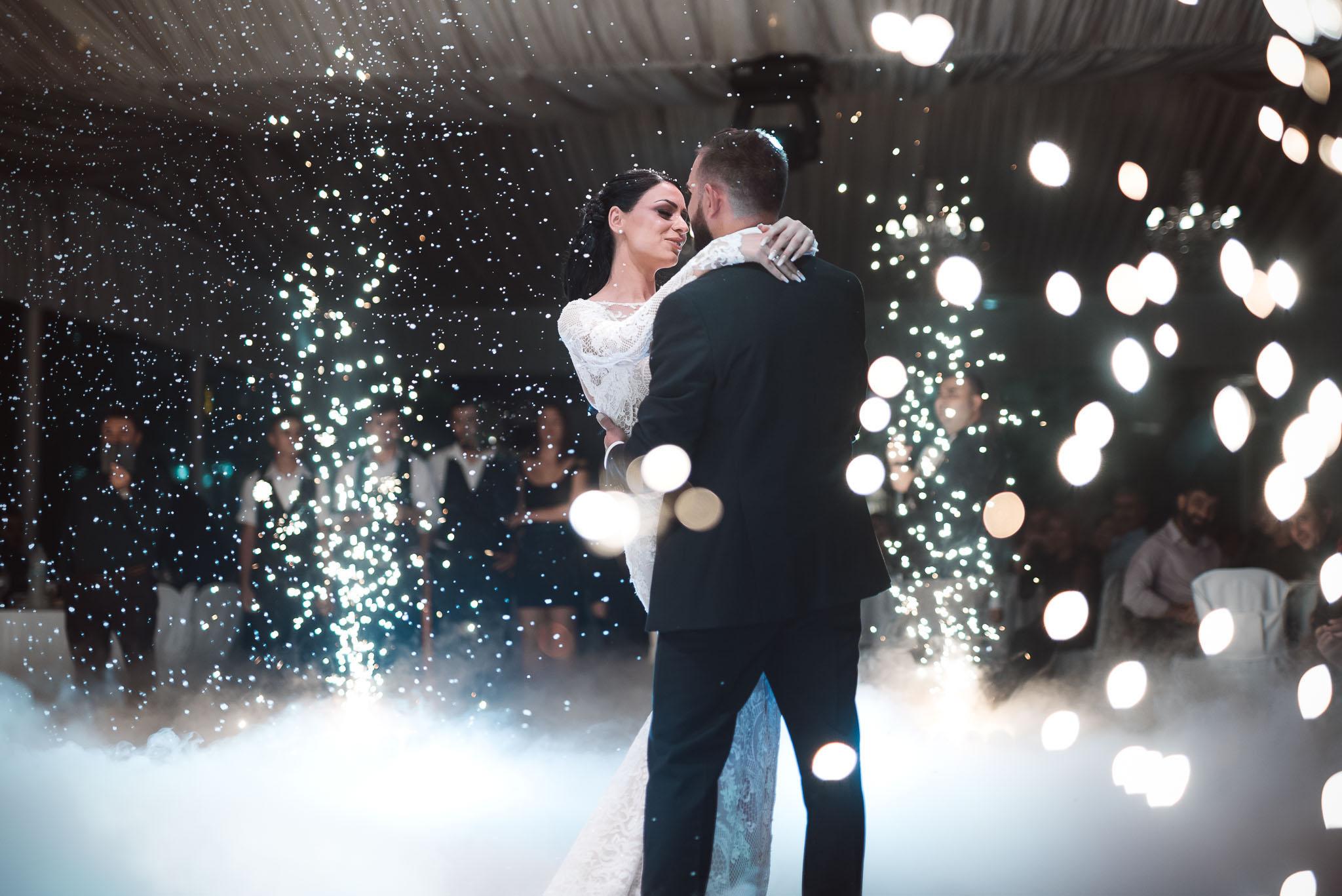 εφέ και φωτισμός δεξίωσης γάμου